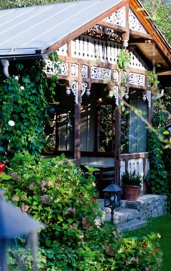 Malerisches Gartenhäuschen